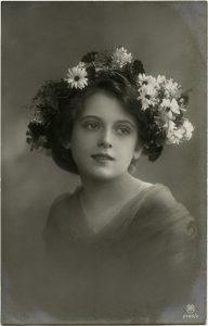 Free vintage ephemera Victorian girl flowers in hair
