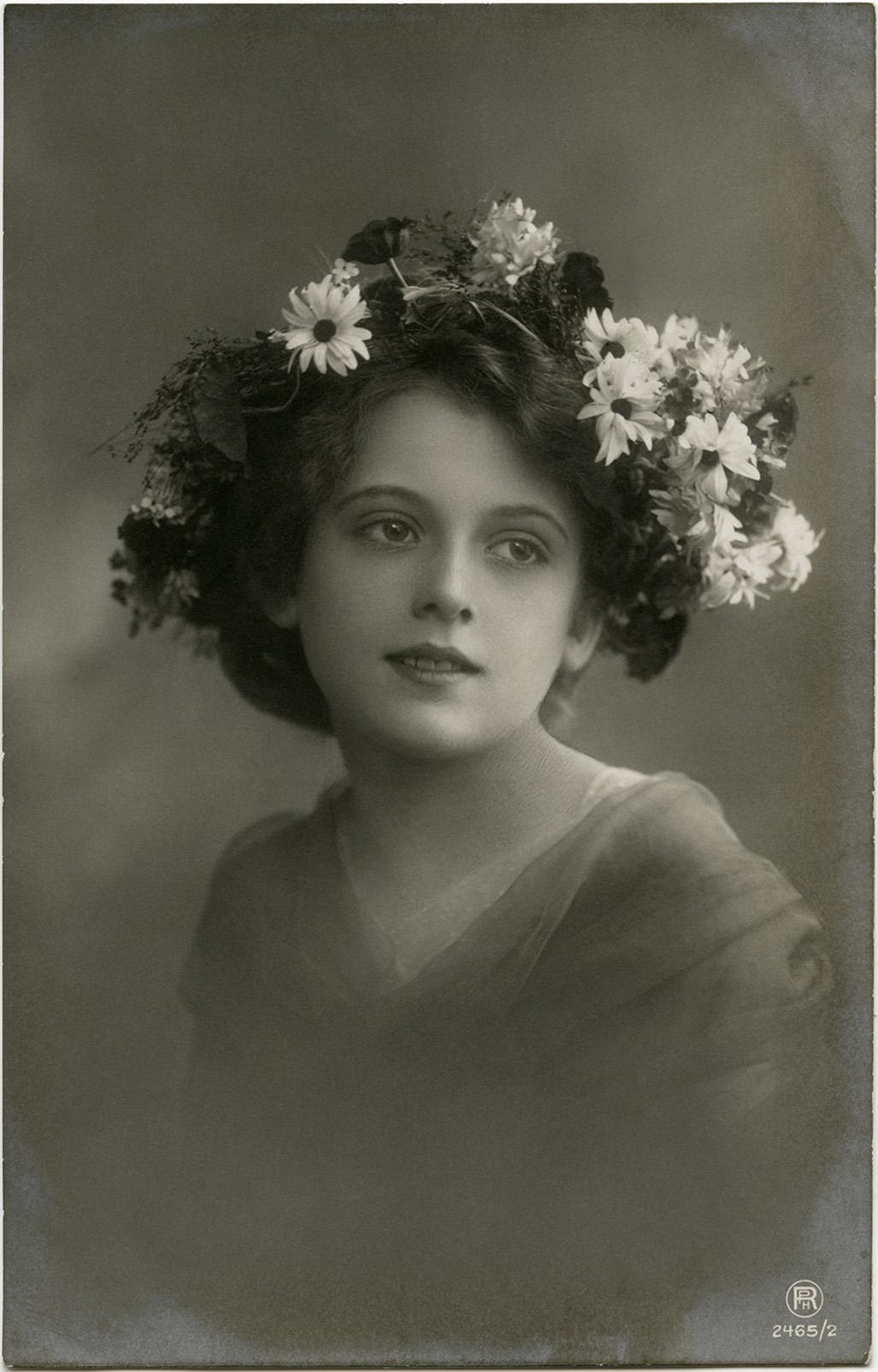 Free Vintage Clip Art Victorian Girl Old Design Shop Blog
